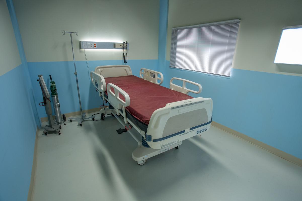 hospital standing set in los angeles