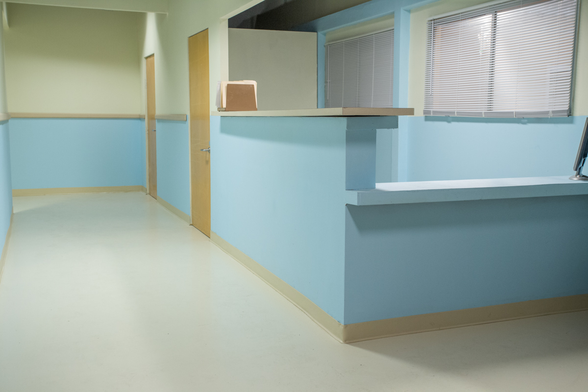 Nurses Station Standing S